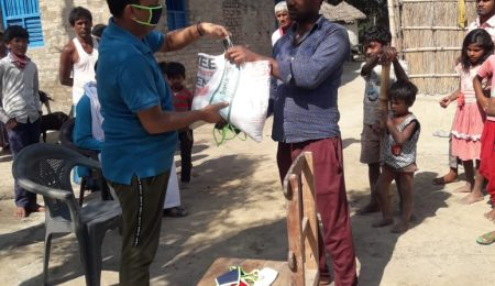 Elan Group provides free 15-day ration to daily wage labourers in East Champaran, Bihar